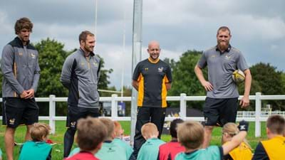 Brad Shields joins Wasps players at Old Leamingtonians Coachclass